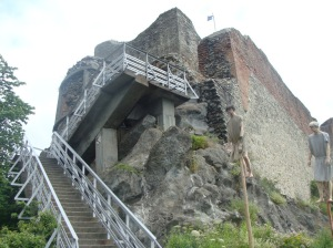 Peonari Castle