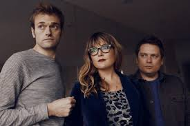 Listen to Nickel Creek, Live Happier